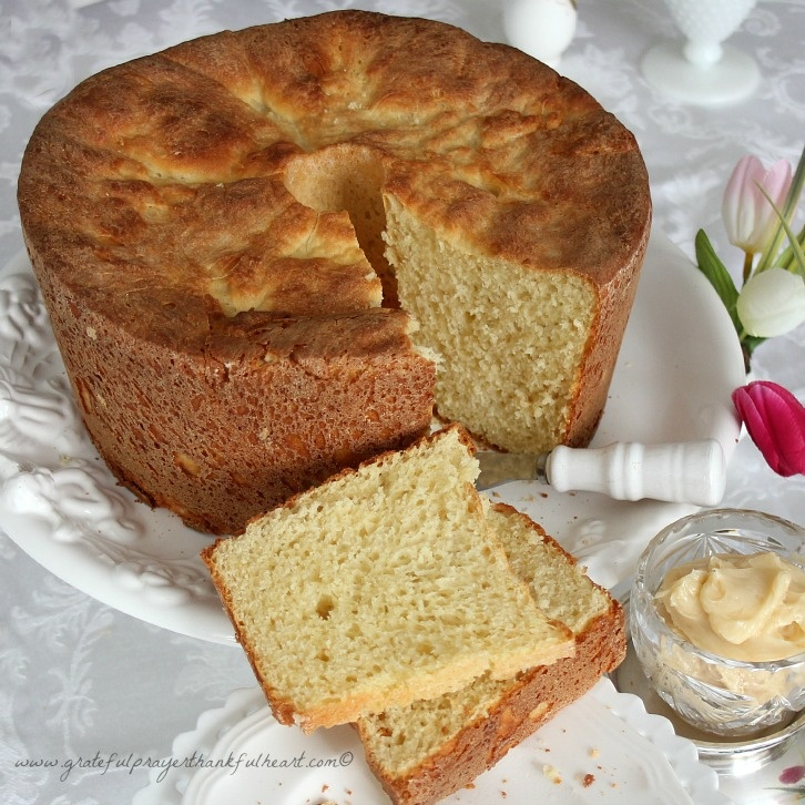 With a Grateful Prayer and a Thankful Heart: Sally Lunn Batter Bread