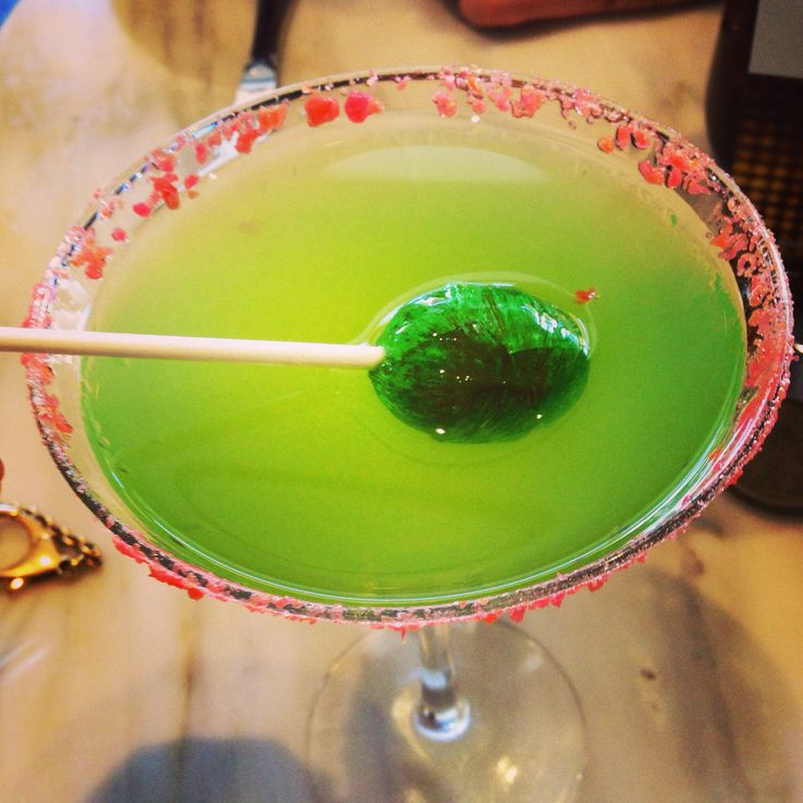 Blow pop martini | BB | DELICIOUS DRINKS | Pinterest