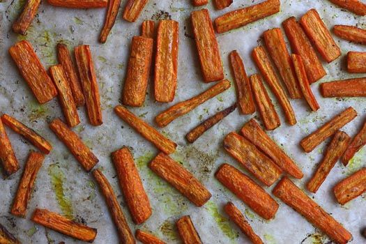 Spicy Carrot Fries with Tzaziki Sauce | kitchen creations | Pinterest