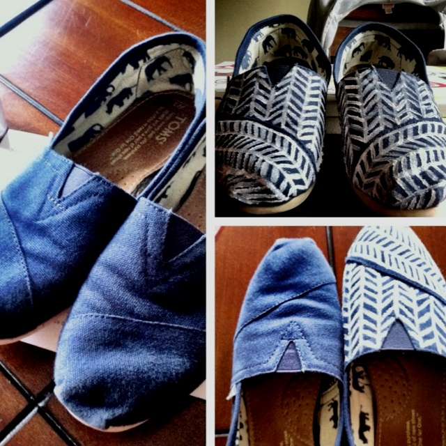 #diy #toms painted with acrylic. right shoe front looks meh.
