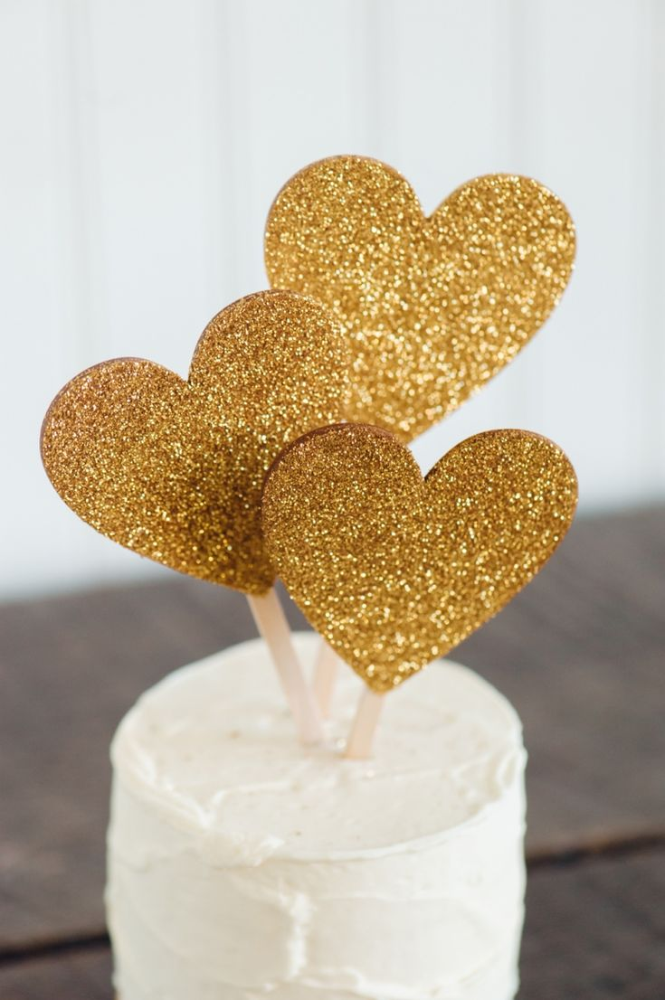 Just What Your Wedding Needs: Handmade Reception and Home Goods by Emily Steffen | Gold Glitter Cake Toppers | Minnesota Bride magazine