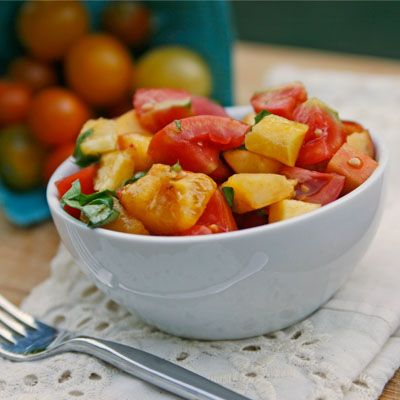 Tomato, Peach and Basil Salad | Recipes to Try | Pinterest