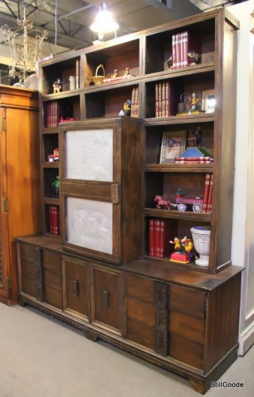 Funky Bookcase 512 x 800