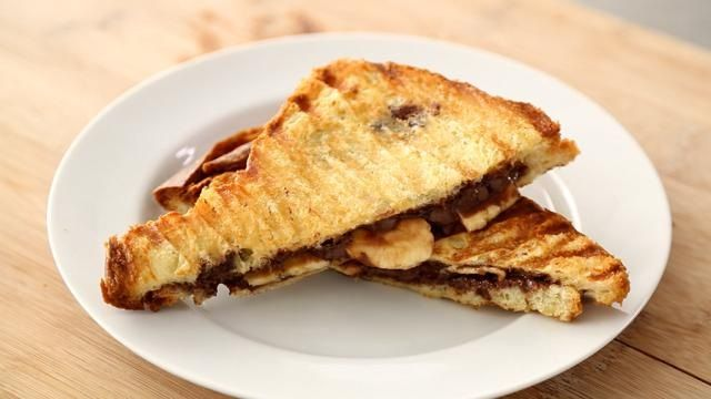 How to Make a Nutella and Banana Panini | Recipes | Pinterest