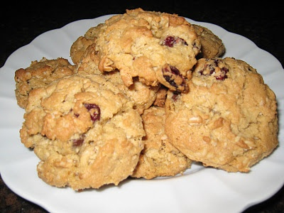 Cranberry Dark Chocolate Oatmeal Cookies   desserts   Pinterest