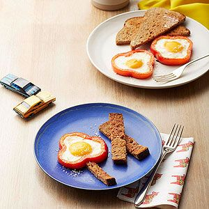 Mommy & Me Breakfasts: Bell-Pepper Egg Flowers (via Parents.com). so ...