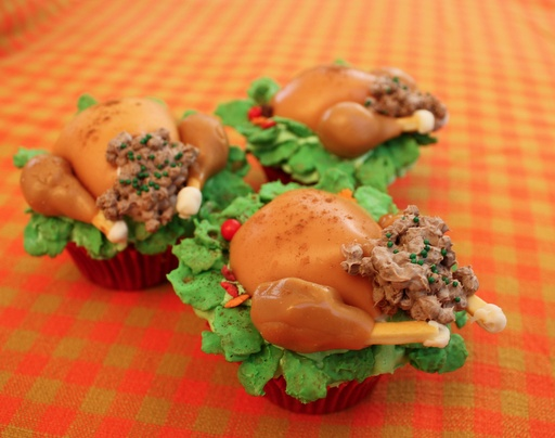Cupcake Lover's Thanksgiving Turkey Should Be Stuffed With Cupcakes ...