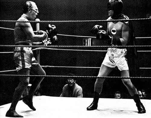 Batman vs. the Riddler boxing match
