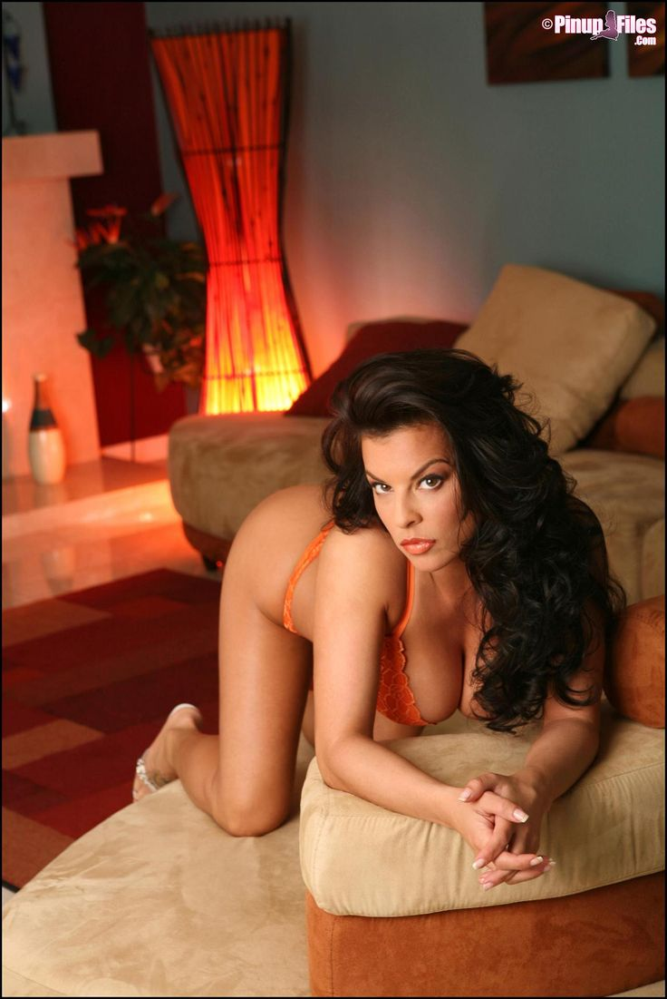 Pinup busty model Nancy Erminia