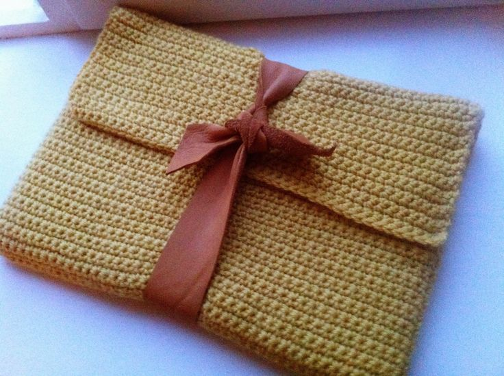 Laptop sleeve - crochet & leather Haken Pinterest