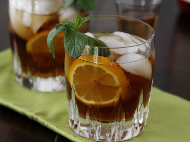 ... Paula Jones from Bell'alimento shows us how to make spiked sweet tea