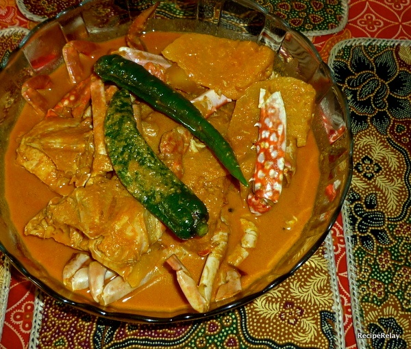 ... Dan Nenas (Crabs And Pineapple In Spicy Gravy) Recipe — Dishmaps