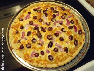 Gluten Free, Yeast Free Pizza Crust. ingr: gf flour mix, xanthum, gum ...