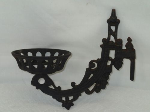 Iron Wall Brackets For Lamps : Old vintage cast iron oil lamp wall mount bracket holder sconce