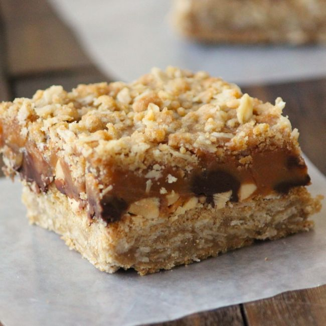 Caramel Peanut Chocolate Chip Bars | Things for Dessert | Pinterest