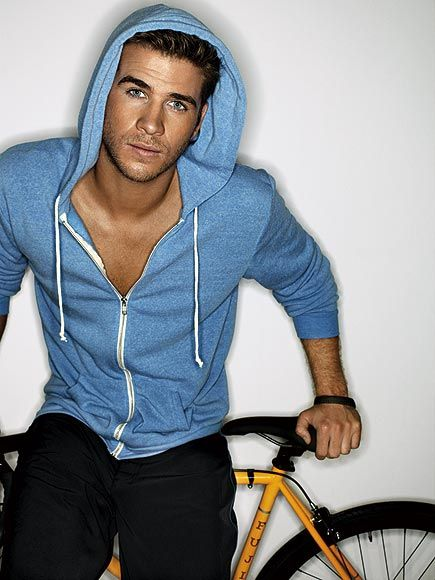 Liam Hemsworth. Do you know how hot you are? Let me help you count the ways...