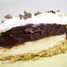 Chocolaty Peanutty Pie | YUMMY RECIPES | Pinterest