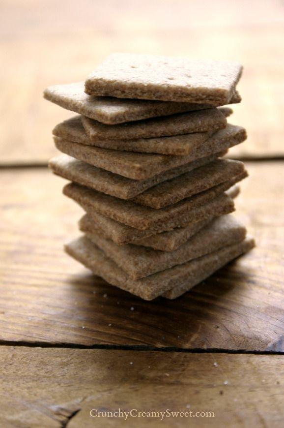 Homemade Wheat Thins | CrunchyCreamySweet.com