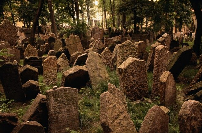 Old Jewish Cemetery, Prague   Praga, República Checa