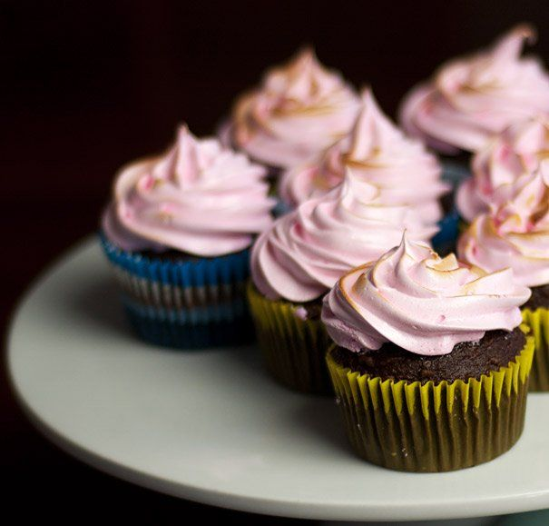 Chocolate Cupcakes With Toasted Marshmallow Frosting Recipe ...