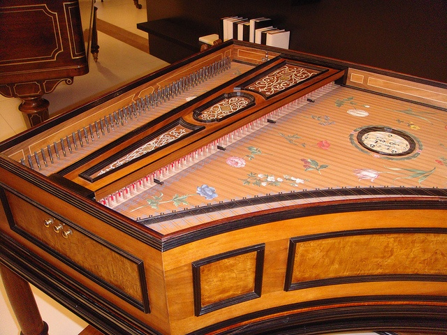 Wonderful Harpsichord newly hand made by Autoscaph  via FlickrHandheld Harpsichord