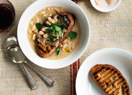 White bean soup with garlic crostini | Recipe