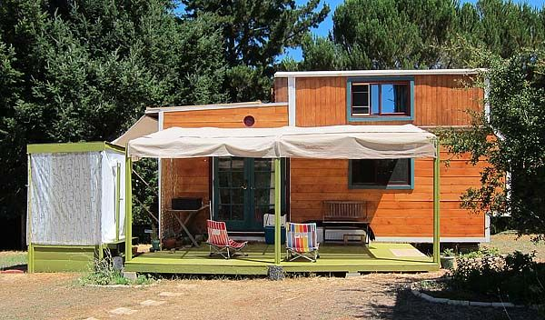 Cat and Pacifico's tiny gypsy house outside of Healdsburg CA :: photo ...