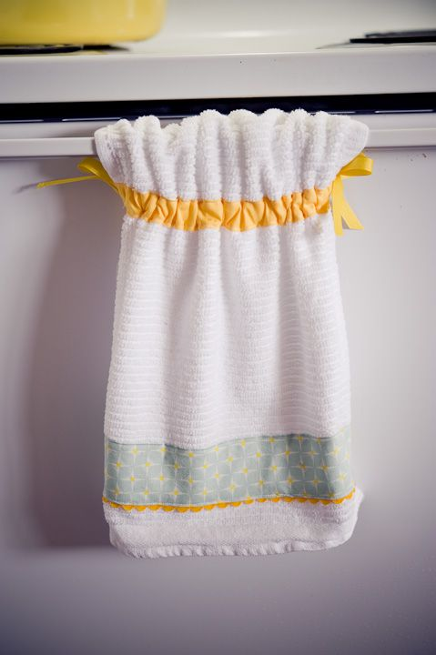 cute towels that won't fall off the oven door handle!