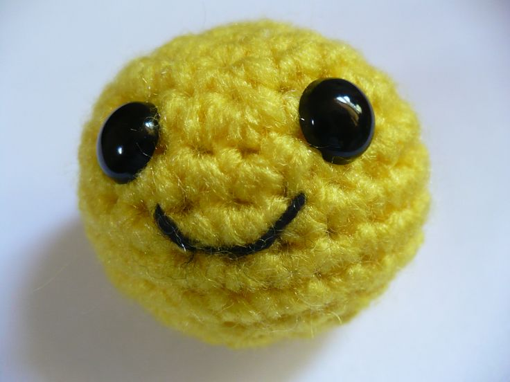 Crochet Amigurumi Faces : Free Crochet Pattern: Mr. Smiley Face Cat Toy