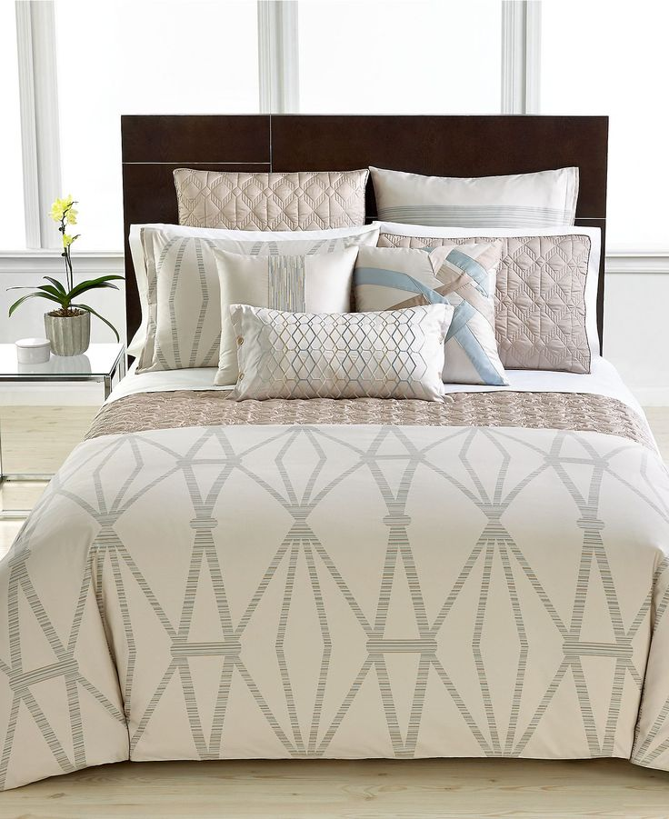 Closeout Hotel Collection Modern Pendant Bedding Collection