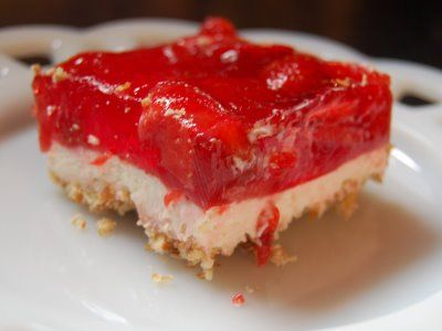 Cassie Craves: Strawberry Pretzel Squares