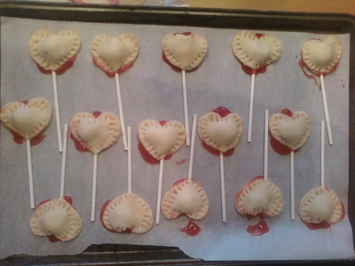 heart shape cherry pie pops | Cake pops, cakes, pies, brownie pops ...