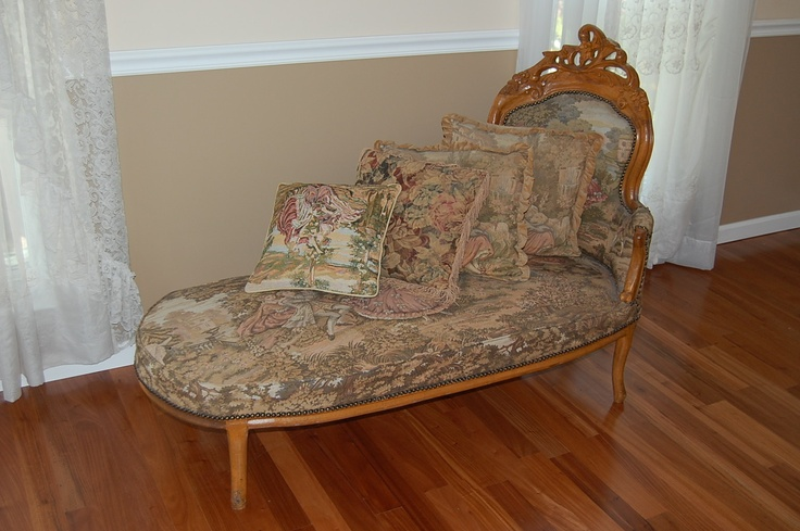 Victorian interior ideas joy studio design gallery for Small fainting couch