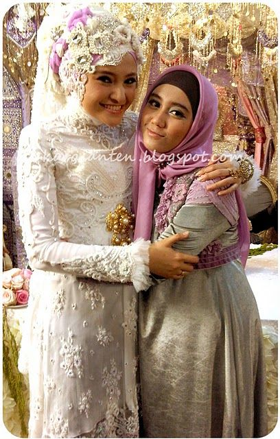 Guessing an indo malay wedding dress malaysian brides for Wedding dress malaysia online