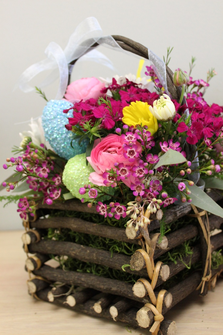 Flower Basket Arrangements Pictures : Easter flower arrangement arrangements