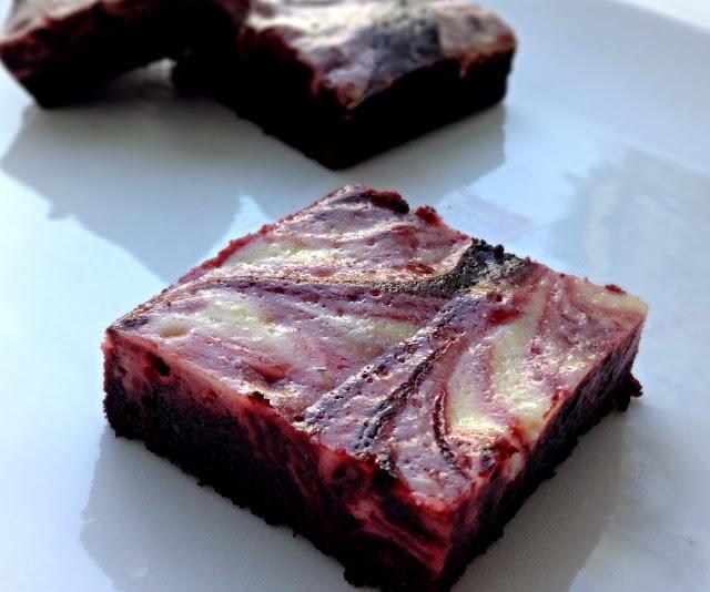 red velvet cheesecake swirl brownies | Sweet Treats | Pinterest