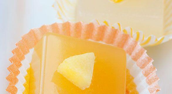 Mango Cosmopolitan Jelly Shots | Recipe