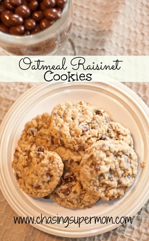 Oatmeal Raisinet Cookies #cookies #oatmeal www.chasingsupermom.com