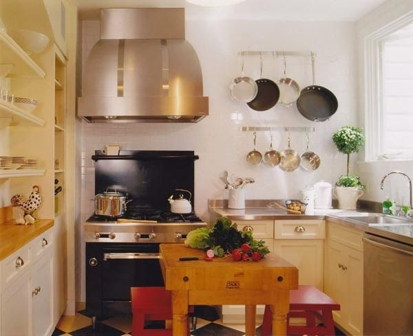 Beautiful small kitchen design ideas home kitchens for Beautiful small kitchens