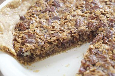 Oatmeal Chocolate Chip Pecan Pie — Punchfork