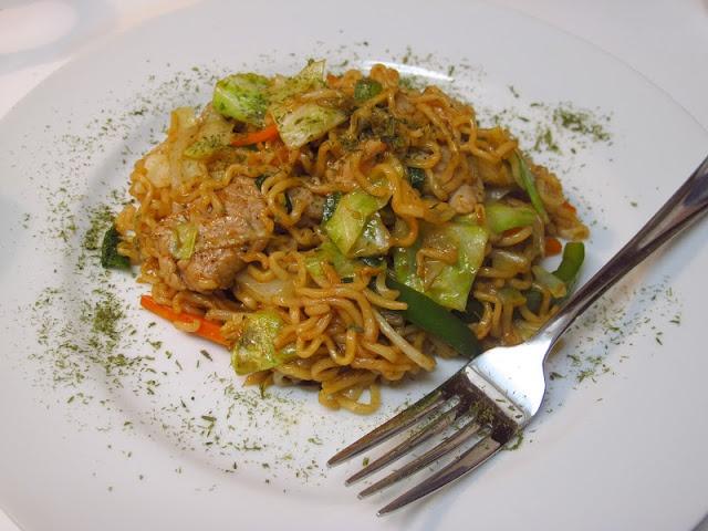 Yakisoba (焼きそば) - Japanese Stir-Fried Noodles From : I Believe ...
