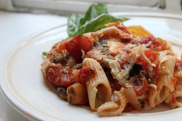 mozzarella and tomatoes recept yummly halved tomatoes and mozzarella ...