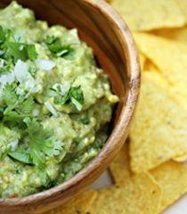 Light Guacamole | NavitasNaturals.com | appetizers & sides | Pinterest