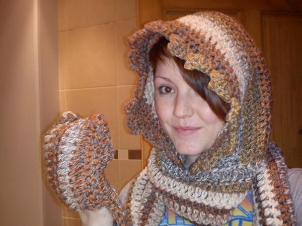 Crochet Pattern Hooded Scarf Pockets Traitoro For