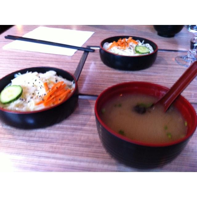 Japonés en París - Entrada Sopa y ensalada