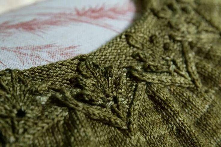 Knitting Pattern Oak Leaf : Oak leaves Knitting Tips & Tricks Pinterest