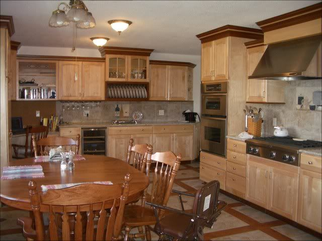 Grooving on the two toned trim kitchens pinterest for Two tone wood cabinets