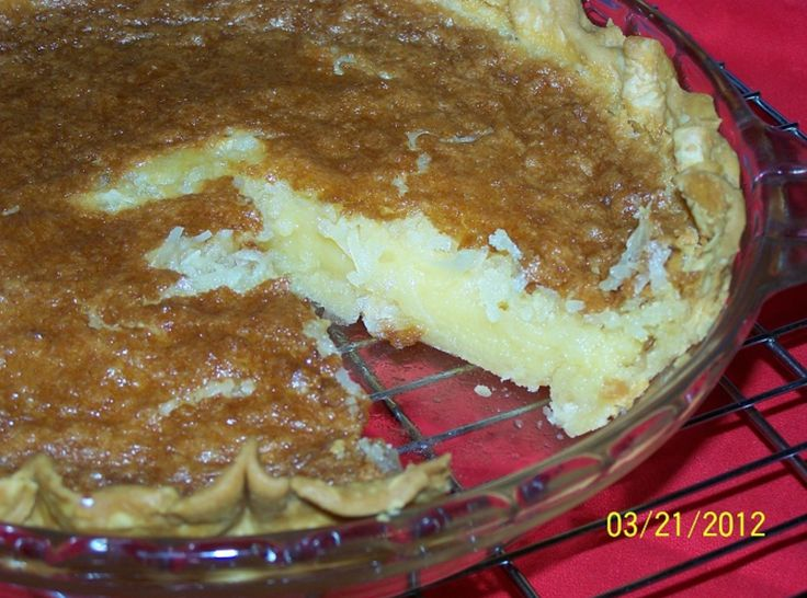 Coconut Macaroon Pie | Pies and Cheesecakes | Pinterest