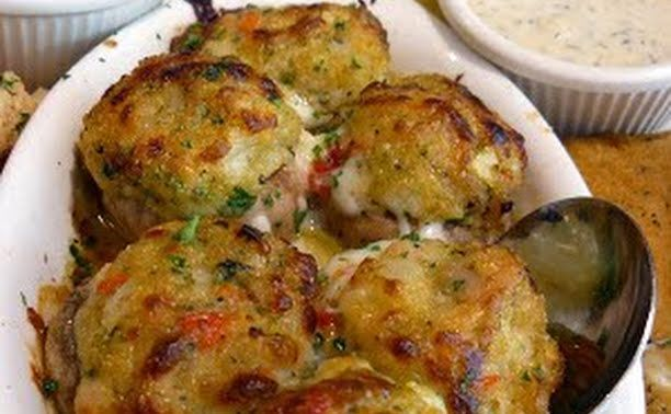 Stuffed Mushrooms (Olive Garden Copycat) recipe - allthecooks.com
