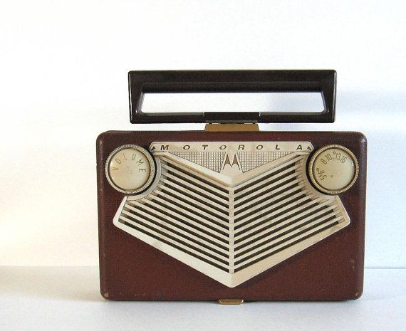 Vintage Motorola Golden Voice Tube Radio 56N1A by TheVintaquarian, $50.00